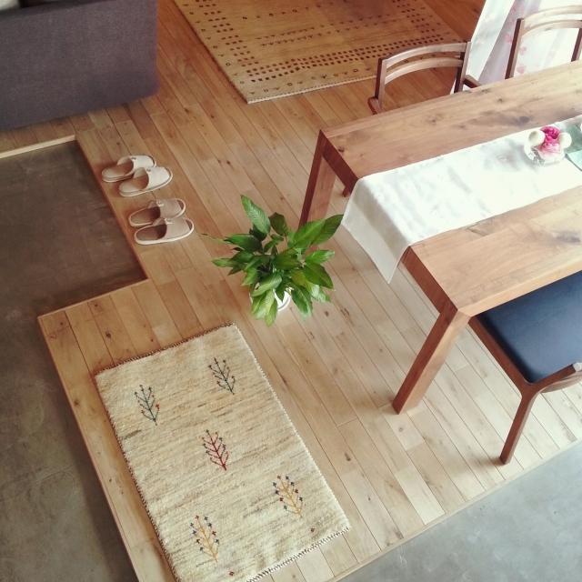 サンゲツ、クッションフロア(部屋の床、タイルカーペット)